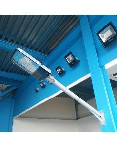Muurbeugel Recht voor straatlantaarn 100cm lang en diameter van 65mm